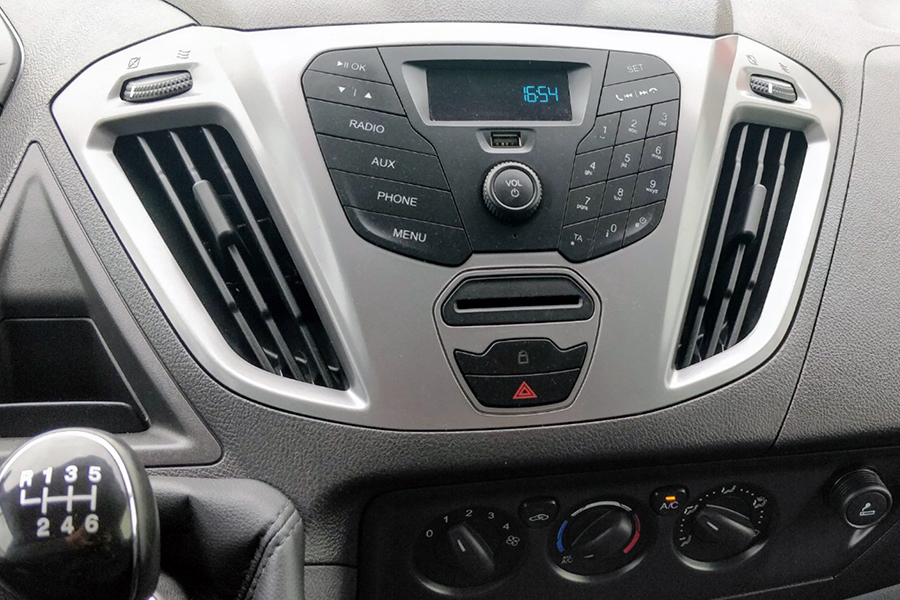 Ford Transit Custom 2016-2018 radio upgrade